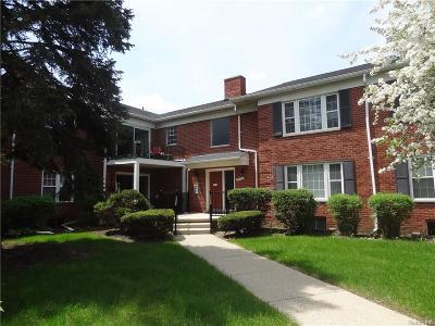 Farmington, Farmington Hills Condo/Townhouse For Sale: 27653 W Echo Valley #111