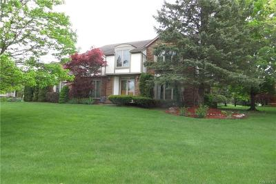 Farmington Hills Single Family Home For Sale: 38275 Fleetwood Drive