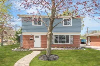 Livonia Single Family Home For Sale: 14687 Fairway Street