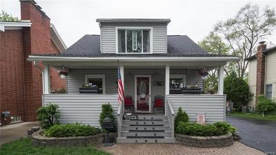 Plymouth Single Family Home For Sale: 679 Adams Street