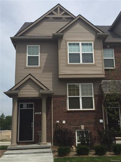 Rochester Hills Condo/Townhouse For Sale: 2837 Hartwick Drive