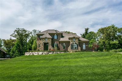 Washington Twp Single Family Home For Sale: 5637 Bradbury Run