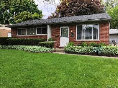 Plymouth Twp Single Family Home For Sale: 11705 Riverside Drive