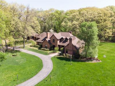 Oakland County Single Family Home For Sale: 3622 Northwood