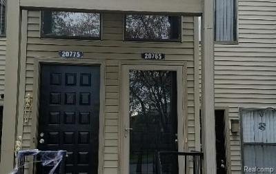 Farmington Hills Condo/Townhouse For Sale: 20765 Indian Creek