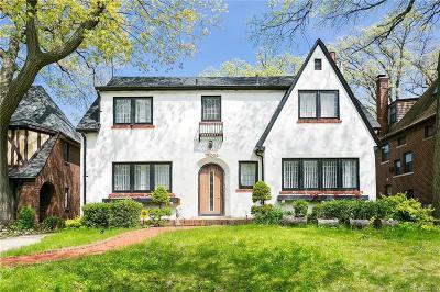 Detroit Single Family Home For Sale: 18054 Parkside Street