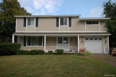 Single Family Home For Sale: 6330 Lakeshore