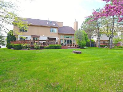 West Bloomfield Twp MI Single Family Home For Sale: $469,900
