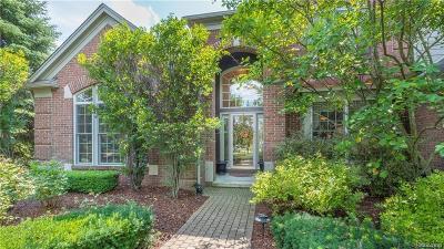 Single Family Home For Sale: 44445 White Pine Circle E