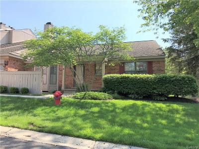 West Bloomfield, West Bloomfield Twp Condo/Townhouse For Sale: 7371 Devonshire