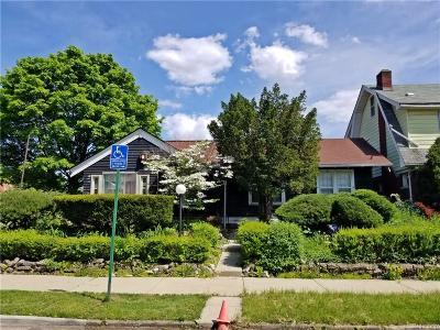 Detroit Single Family Home For Sale: 8800 Arcadia Street