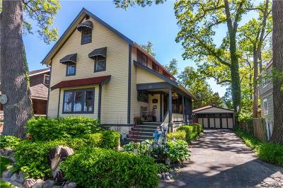 Pleasant Ridge Single Family Home For Sale: 17 Oakdale Boulevard