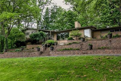 Bloomfield Twp Single Family Home For Sale: 1360 Cedar Bend Drive