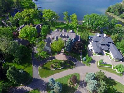 Orchard Lake Single Family Home For Sale: 3151 W Shore Drive