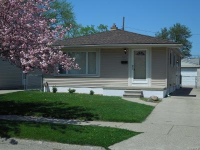 Royal Oak Single Family Home For Sale: 717 Dewey Street