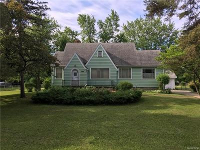 Genesee County Single Family Home For Sale: 6021 Corunna Road