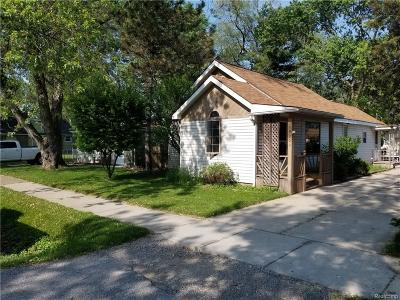 Redford Twp Single Family Home For Sale: 19200 Negaunee