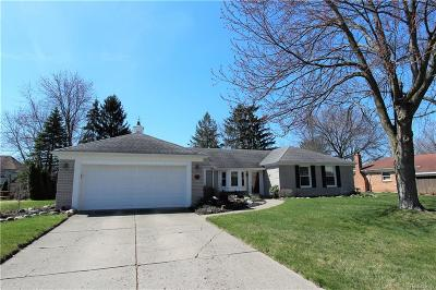 Northville Single Family Home For Sale: 41955 Baintree Circle