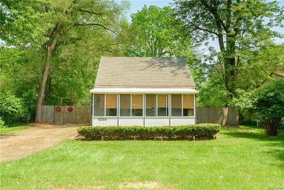 Westland Single Family Home For Sale: 1224 N Wildwood Street
