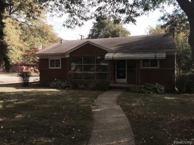 Beverly Hills Vlg Single Family Home For Sale: 31280 E Rutland Street