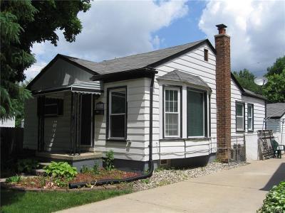 Royal Oak Single Family Home For Sale: 2824 Crooks Road