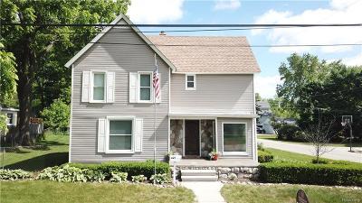 Lake Orion Single Family Home For Sale: 351 E Shadbolt Street