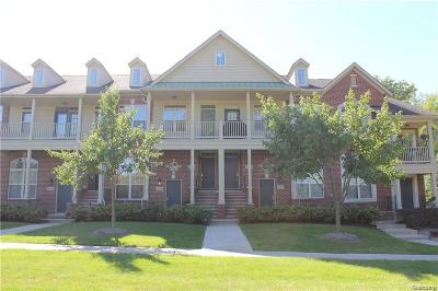 Walled Lake Condo/Townhouse For Sale: 468 Old Pine Way