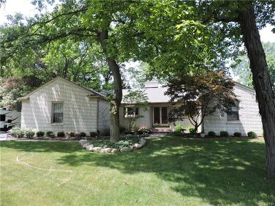 Grosse Ile Twp MI Single Family Home For Sale: $395,000