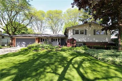 Beverly Hills Vlg Single Family Home For Sale: 31335 Churchill Drive