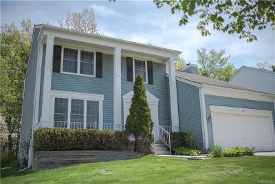 Rochester Hills Single Family Home For Sale: 495 Bolinger Street