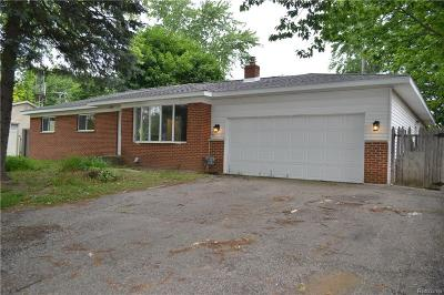 Waterford Twp Single Family Home For Sale: 3434 Airport Road