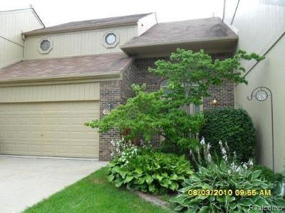 Rochester Hills, Rochester Condo/Townhouse For Sale: 2191 Crystal Drive