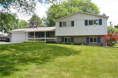 Bloomfield Twp Single Family Home For Sale: 2605 Bridle Road