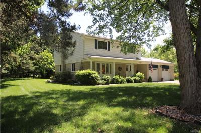 Orchard Lake Single Family Home For Sale: 3725 Sunset Boulevard
