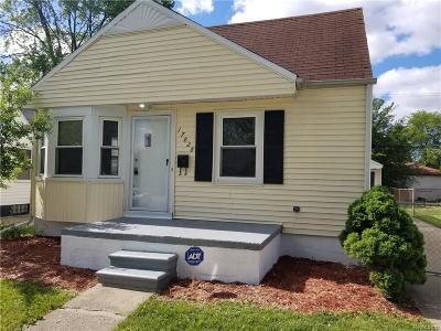 Warren, Eastpointe, Roseville, St Clair Shores Single Family Home For Sale: 17828 Toepfer Drive