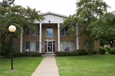 Redford Twp Condo/Townhouse For Sale: 26305 W 7 Mile Road