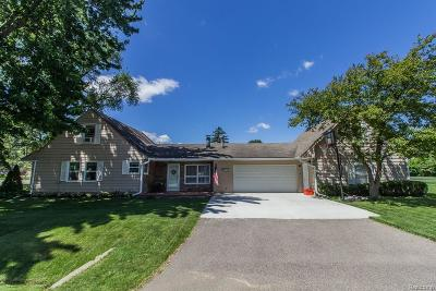 Livonia Single Family Home For Sale: 30110 5 Mile Road