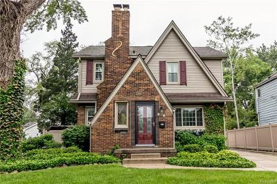 Royal Oak Single Family Home For Sale: 2303 Linwood Avenue