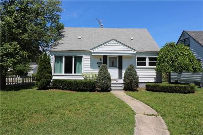 Garden City Single Family Home For Sale: 32326 Rosslyn Avenue