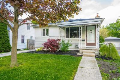 St Clair Shores, Roseville, Clinton Twp, Fraser Single Family Home For Sale: 25889 Leach Street