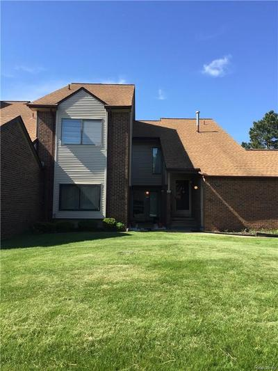 West Bloomfield, West Bloomfield Twp Condo/Townhouse For Sale: 6540 Ridgefield Circle #105