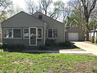 Hazel Park Single Family Home For Sale: 111 W Meyers Avenue