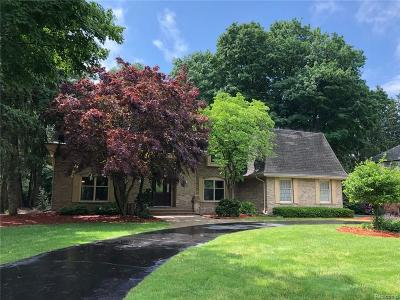 Bloomfield Twp Single Family Home For Sale: 830 Hidden Pine Road
