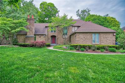 Farmington Hills Single Family Home For Sale: 27975 Trailwood Court