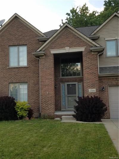 Westland Condo/Townhouse For Sale: 37090 Vista Drive