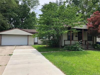 Redford Twp Single Family Home For Sale: 24667 Puritan