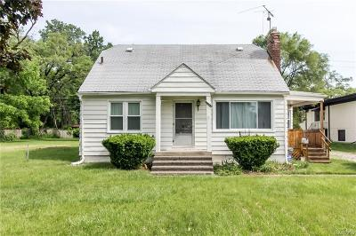 Livonia Single Family Home For Sale: 28220 7 Mile Road