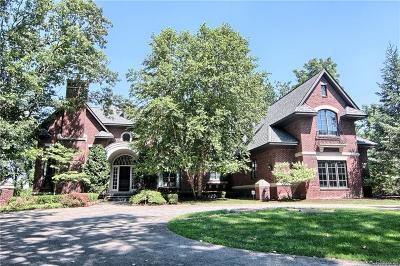Bloomfield Twp Single Family Home For Sale: 1881 Heron Ridge Drive