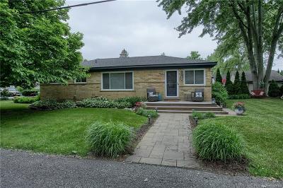 Keego Harbor, Sylvan Lake Single Family Home For Sale: 2360 Ferndale Street