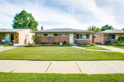 Macomb County Single Family Home For Sale: 23036 Recreation Street